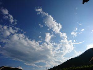 台風一過の青い空